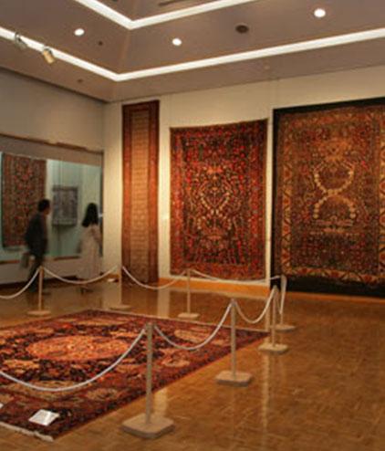 Galerie RUMI | Alte und antike Teppiche museum_hochformat